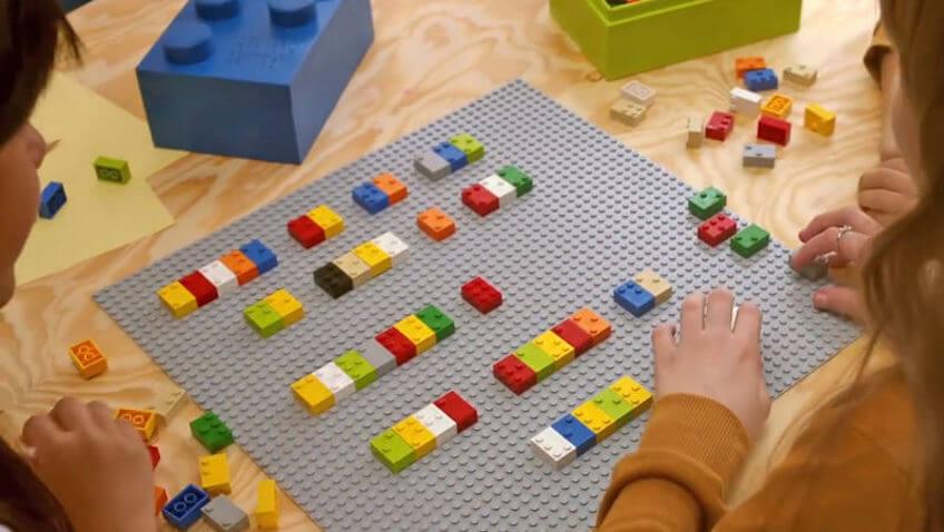 aprender braille con bloques de construcciones