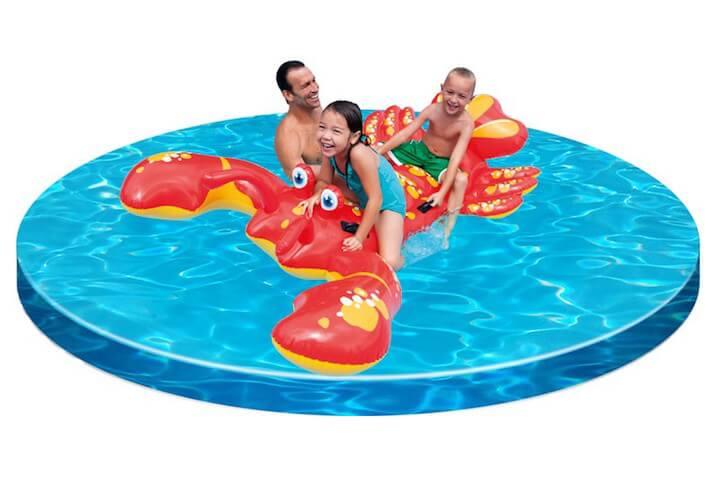 Colchoneta hinchable de langosta para jugar en el agua