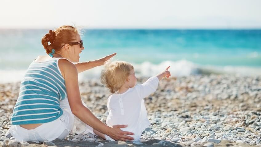 bebé a la playa