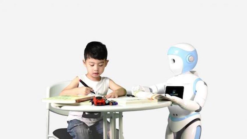 iPal robot niñera para vigilar a los niñ@s