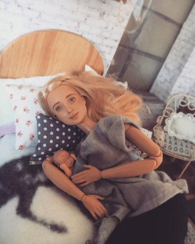 Barbie lactancia materna