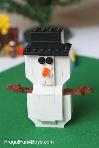 Un muñeco de nieve Lego