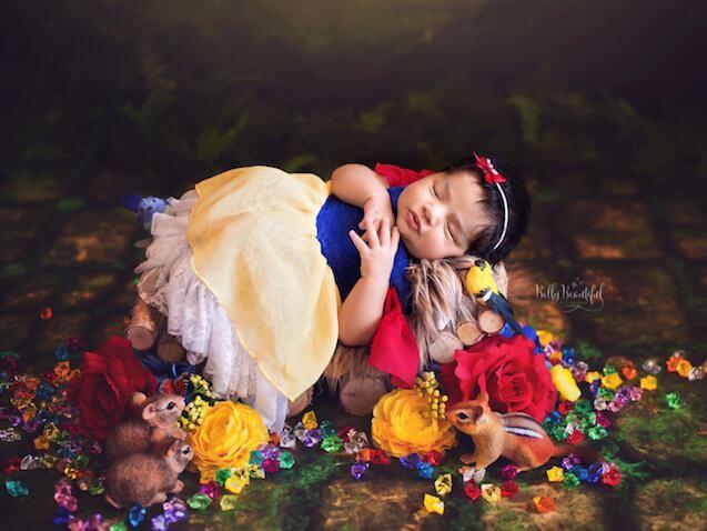 Fotos de bebés recién nacida vestida de Blancanieves