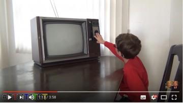 ¿Mamá es verdad que los televisores antes eran planos y rectangulares?