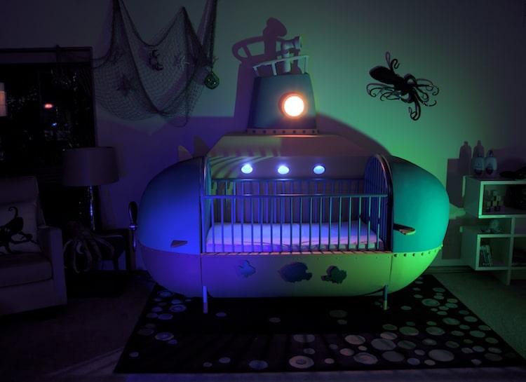 Cuna para bebés con original diseño de submarino DIY