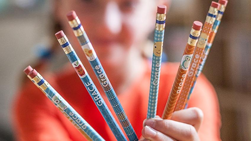 etiquetas para marcar lápices para imprimir para la Vuelta al Cole