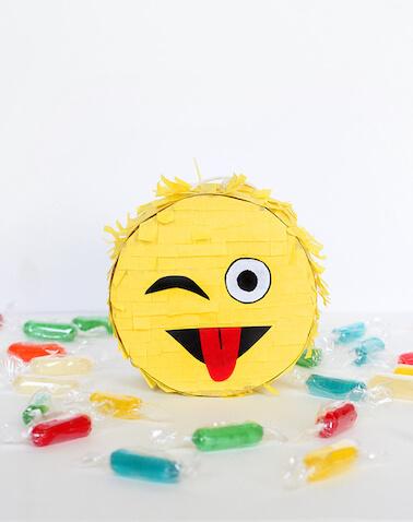 Piñata de Emoji DIY fiesta de cumpleaños