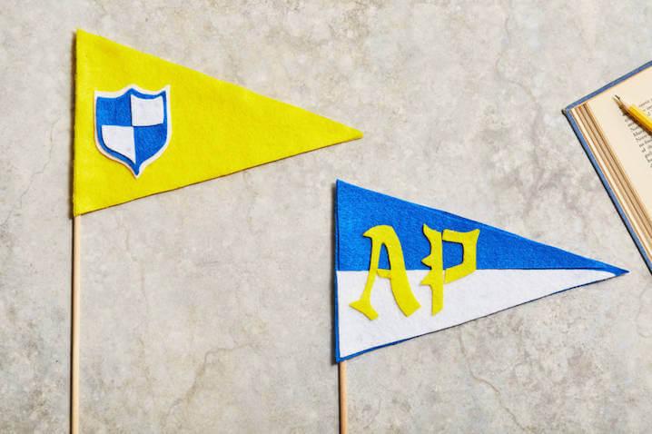 Banderines de la Academia Áuradon de Los Descendientes de Disney