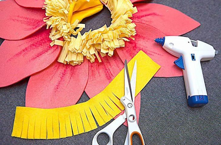 Materiales para hacer disfraz casero de flor para tu bebé para Carnaval