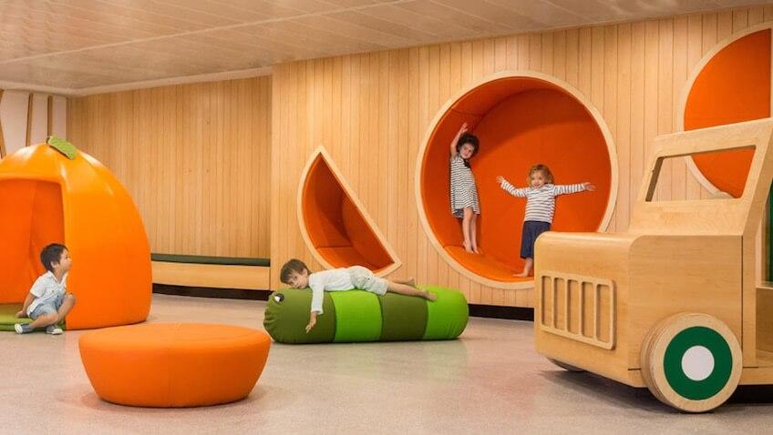 guardería infantil con diseño original zona de juegos