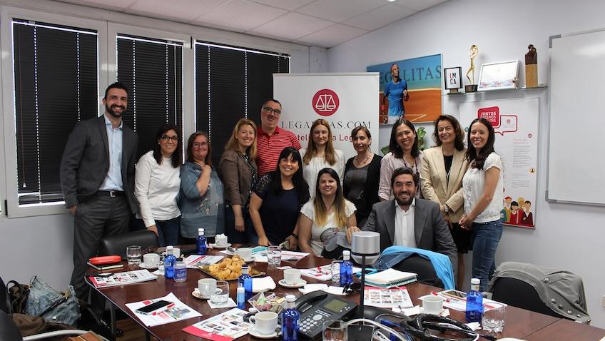 Protección de Datos para Bloggers en las oficinas de Legálitas con abogados