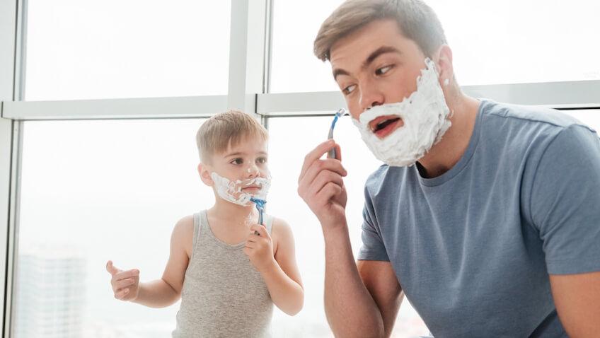Consejos para cuando tus hijos se empiezan a afeitar adolescencia
