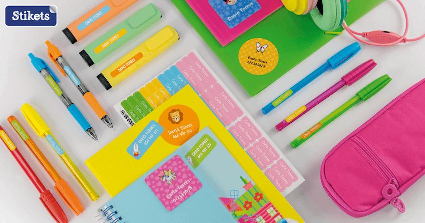 Marca el material escolar con etiquetas adhesivas de Stikets