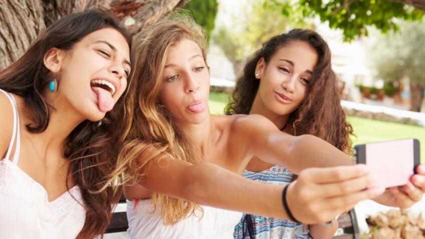 chicas adolescentes selfie