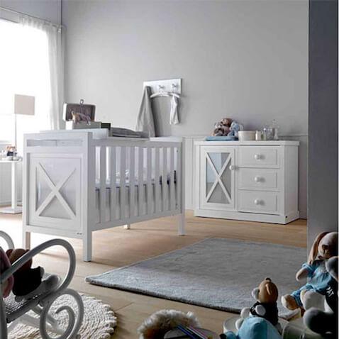 Habitación del bebé con cuna light de Portobellostreet