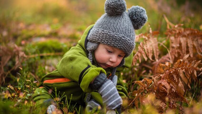 como vestir a un bebé para el frío de otoño e invierno
