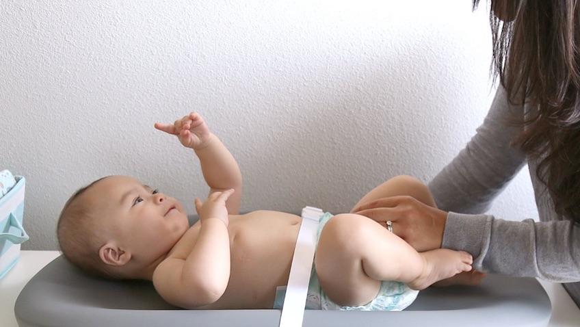 Hatch Baby de Amazon cambiador inteligente que controla el peso del bebé con Alexa