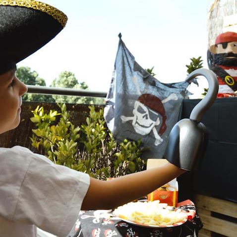 Garfio de plástico para disfraz casero de Pirata para niño