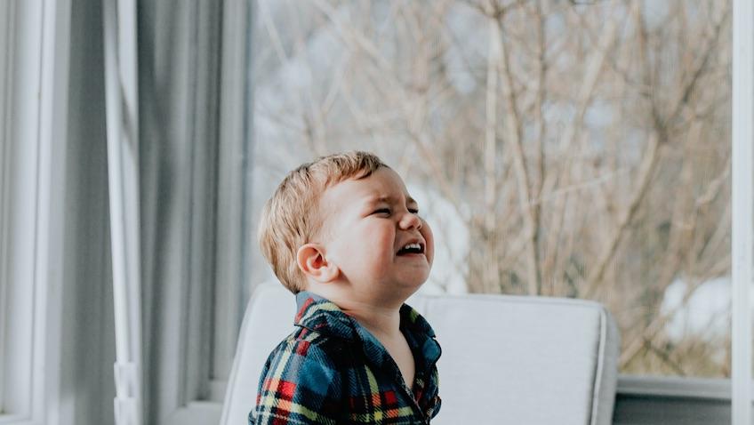 qué hacer cuando mi hijo tiene una rabieta infantil