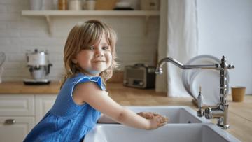 Tareas domésticas con las que tus peques pueden ayudar en casa